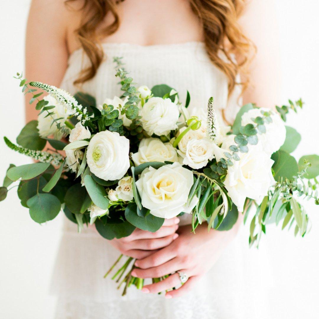 Wedding Bride Flower Bouquet: Roses And Ranunculus